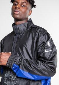 Nike Sportswear - Training jacket - black/black/rush blue/game royal - 3
