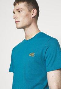 Lacoste - Basic T-shirt - royal blue - 4
