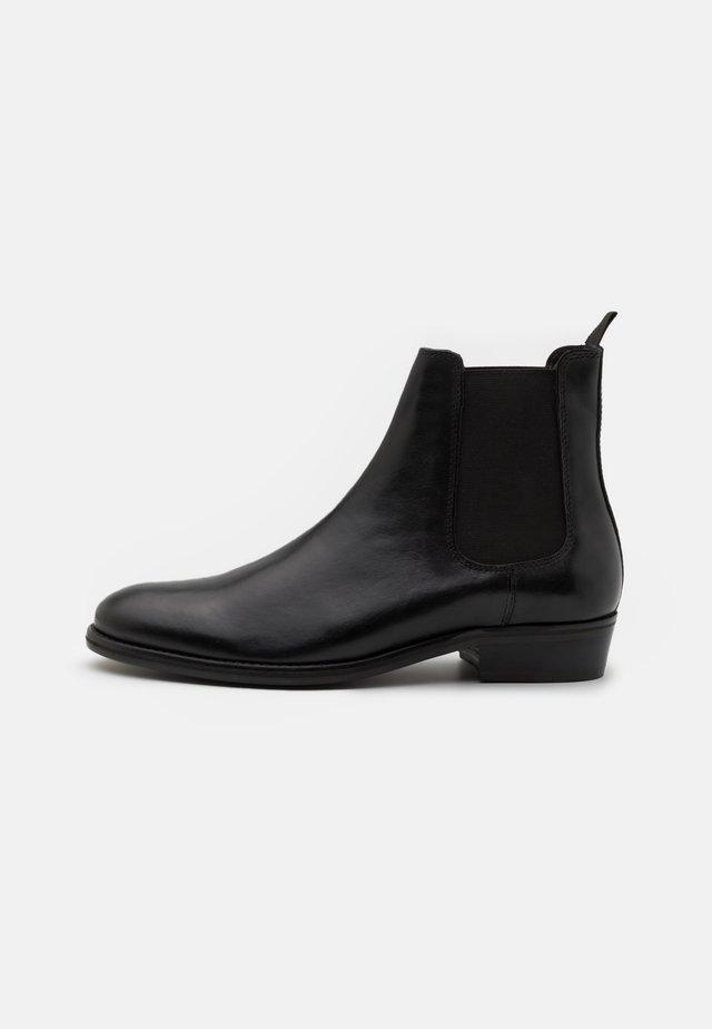 MICHAEL CUBAN - Kotníkové boty - black