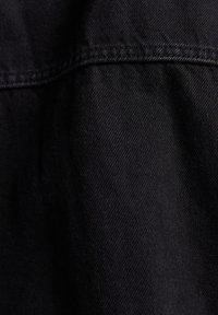 Bershka - OVERSIZE - Kurtka jeansowa - black - 5