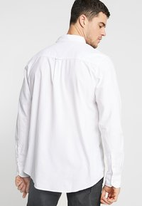 Cotton On - BRUNSWICK SLIM FIT - Skjorter - white oxford - 2