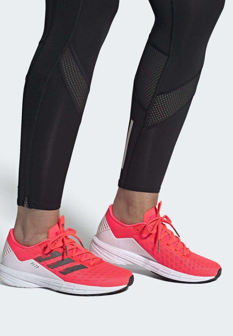 adidas Performance - SL20 SHOES - Löparskor stabilitet - pink