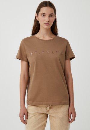 FINN FLARE KURZARM - Print T-shirt - dark beige