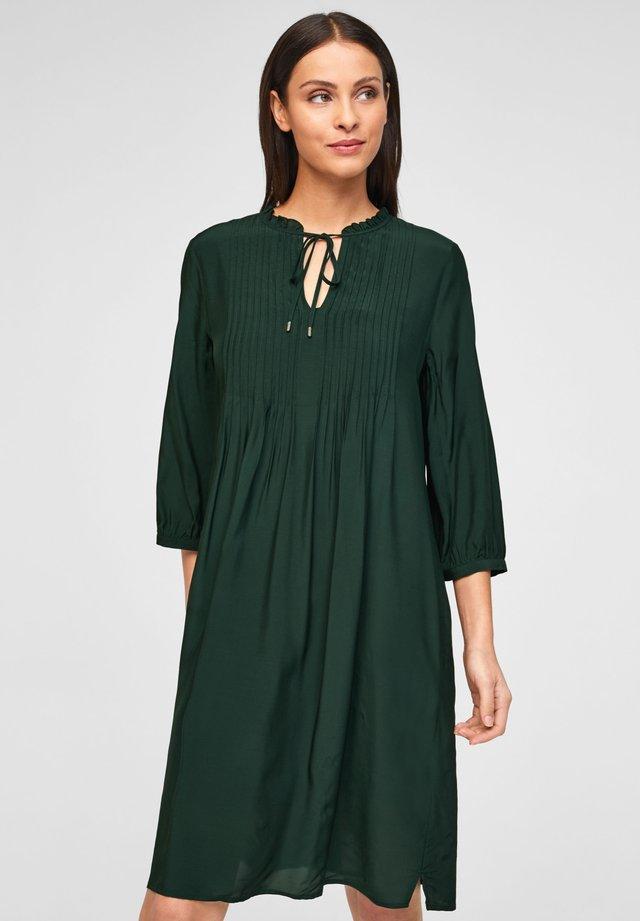 Korte jurk - leaf green