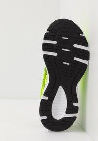 ASICS - JOLT 2 - Zapatillas de running neutras - safety yellow/black - 5