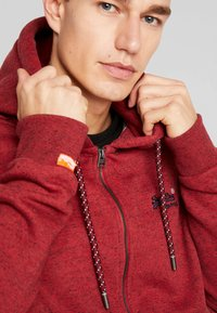 Superdry - ZIP HOOD - Sweater met rits - desert red grit - 4