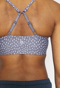 Cotton On Body - WORKOUT YOGA CROP - Sujetadores deportivos con sujeción ligera - blue - 4