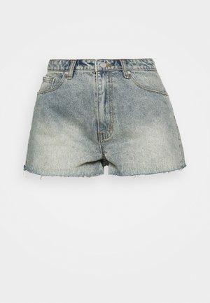 RIOT RAW HEM MOM - Denim shorts - blue