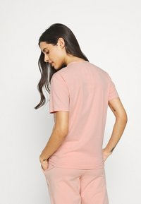 Calvin Klein Underwear - ONE CREW NECK - Pyjama top - strawberry champagne - 2