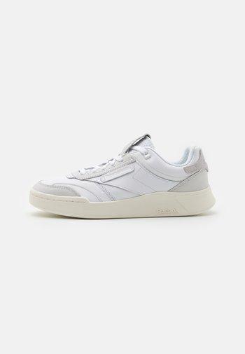 CLUB C LEGACY UNISEX - Sneakers basse - white/chalk