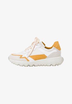 Trainers - white, yellow