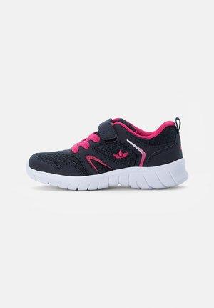 SKIP - Sneaker low - marine/pink