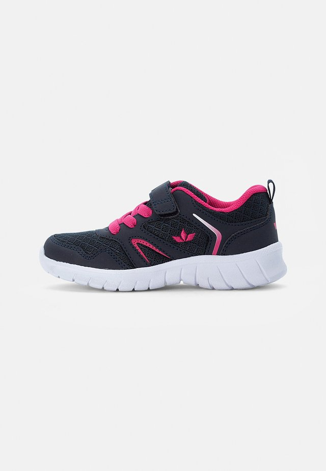 SKIP - Trainers - marine/pink