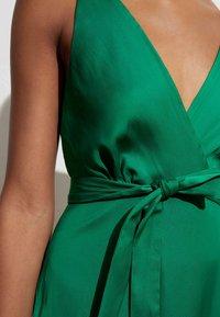 OYSHO - Denní šaty - evergreen - 1