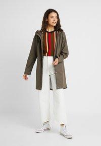 Vero Moda Tall - VMFRIDAY NEW COATED - Waterproof jacket - bungee - 1