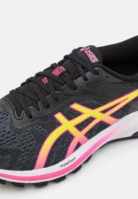 ASICS - GT-1000 10 - Scarpe da corsa stabili - black/hot pink - 5