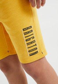 WE Fashion - 2 PACK - Shorts - yellow - 2