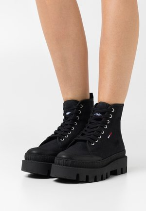 FLAT BOOT - Lace-up ankle boots - black