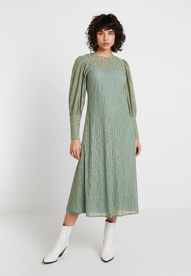 POSALEXANDRA DRESS - Maxikleid - hemlock