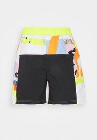 adidas Originals - LOVE UNITES UNISEX - Shorts - multicolour - 9