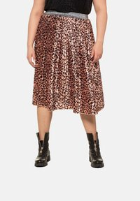 Studio Untold - A-line skirt - papaya - 0