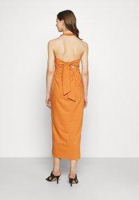 Glamorous - MAYA HALTER NECK DRESS - Maxi dress - rust - 2