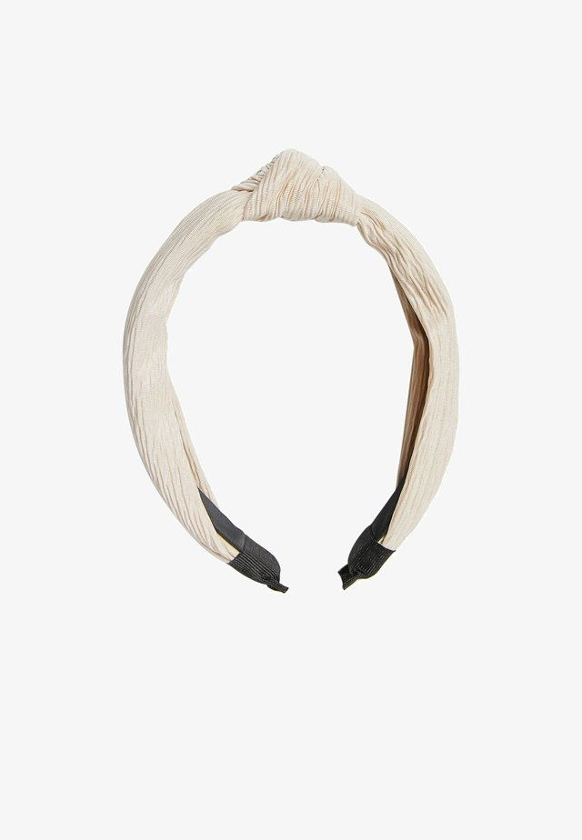 Hair styling accessory - white