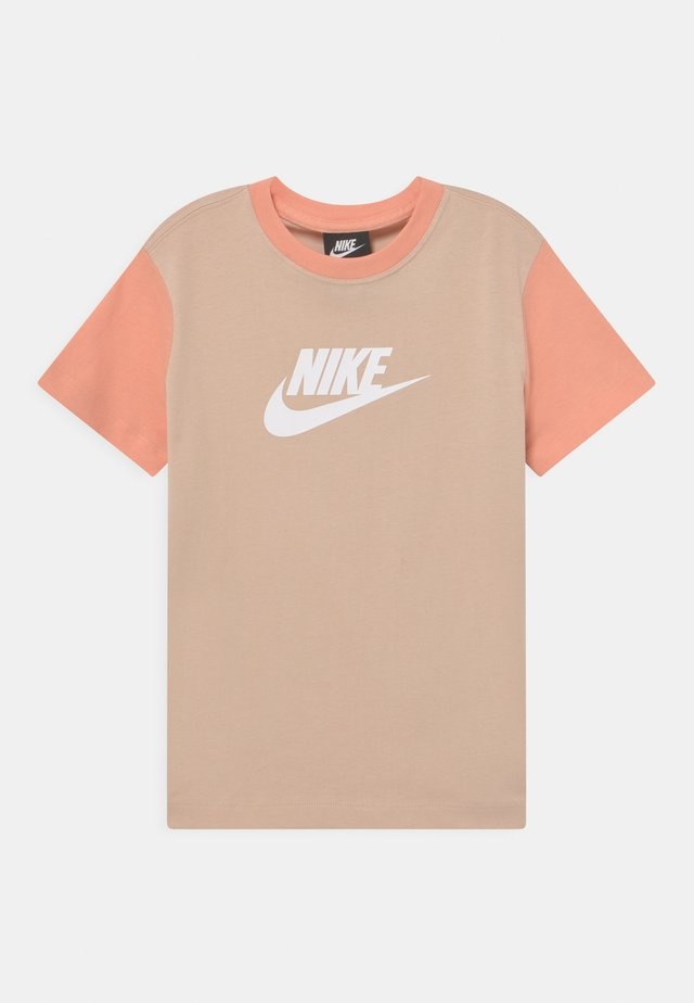 Print T-shirt - shimmer/apricot agate/white