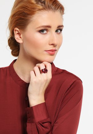 WATERFALLS - Ringe - red/dark rose