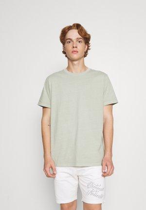 BAND TEE - Basic T-shirt - washed sage