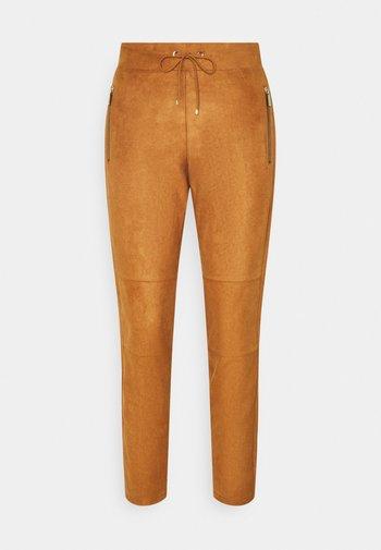 Trousers - peanut