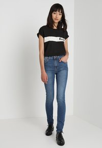 Nudie Jeans - HIGHTOP TILDE - Jeansy Skinny Fit - blue stellar - 1
