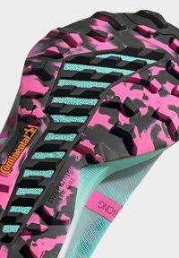 adidas Performance - TERREX SPEED PRO TRAIL RUNNING - Zapatillas de trail running - green - 9