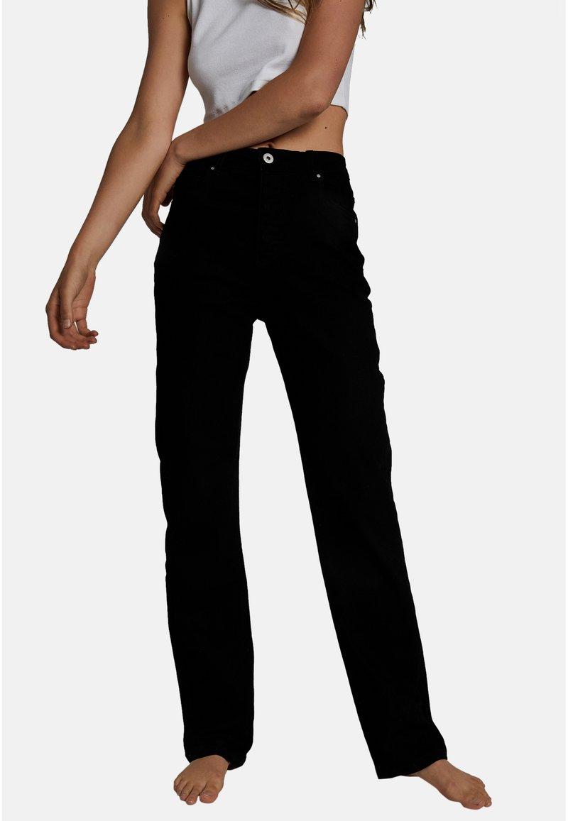 Cotton On - HIGH STRETCH - Straight leg jeans - black