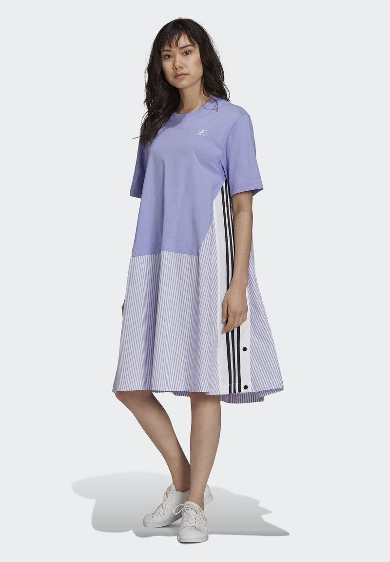 adidas Originals - Dry Clean Only xSHIRT DRESS - Jerseykjoler - light purple