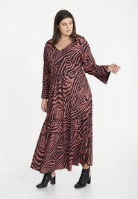 SPG Woman - Maxi dress - raspberry rose - 1