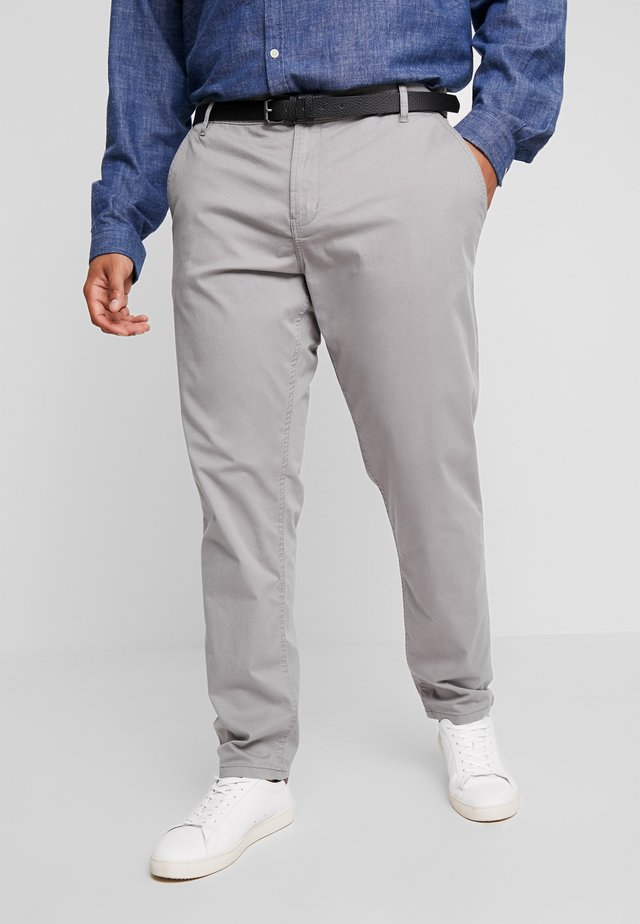 STRETCH WITH BELT - Chinos - grey