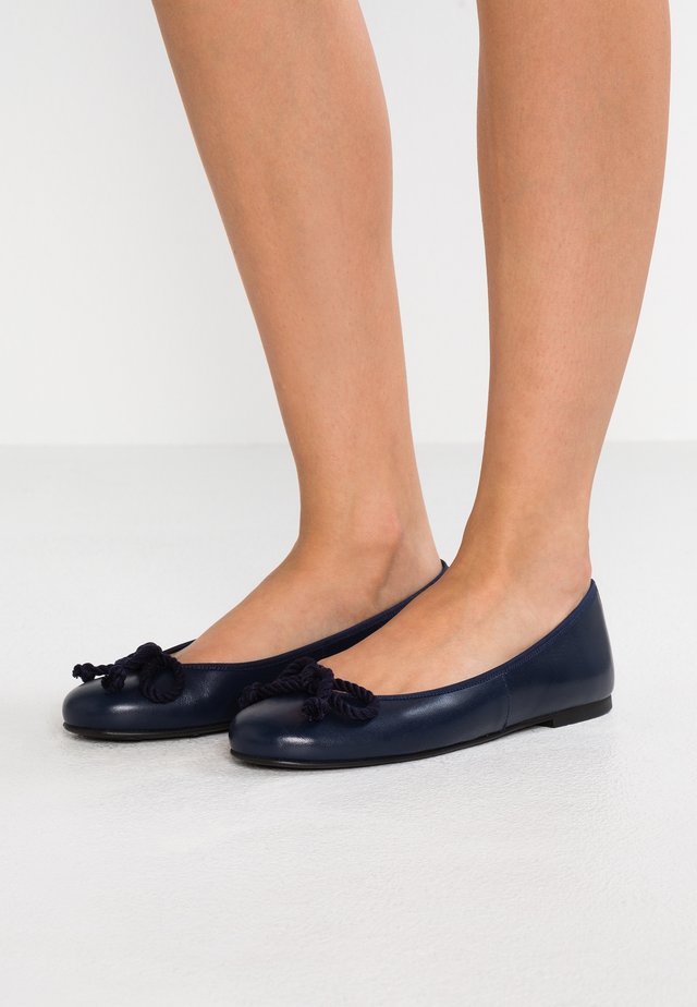 Ballet pumps - navy blu