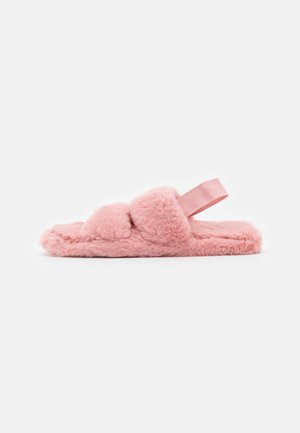 TWO BAR FLUFFY SLIDER WITH ELASTICATED STRAP - Slippers - pink