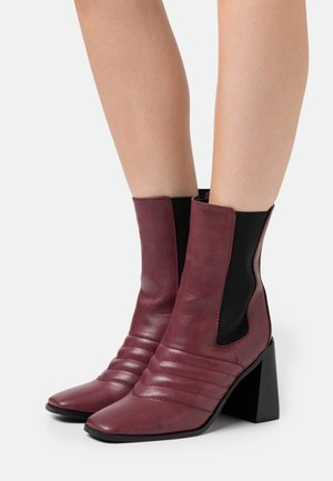 TABBIE - High heeled ankle boots - plum
