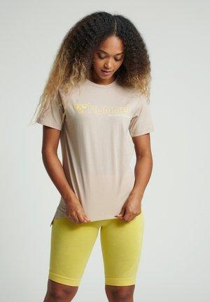 HMLZENIA  - T-shirt imprimé - humus