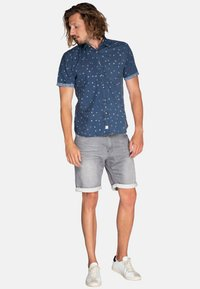 Protest - CARAT - Jeansshort - dark grey - 1