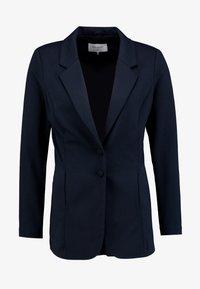 Freequent - Short coat - salute - 4