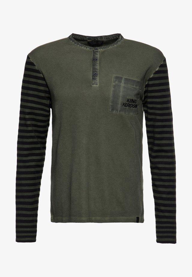 T-shirt à manches longues - olivgrün