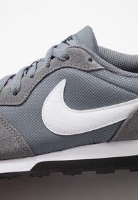Nike Sportswear - MD RUNNER 2 - Trainers - cool grey/white/black - 2