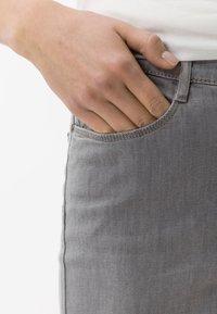 BRAX - STYLE CARO  - Slim fit jeans - light grey - 3