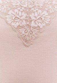 Rosemunde - ORGANIC VNECK REGULAR - Long sleeved top - vintage powder - 2
