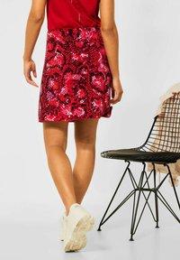 Street One - MIT PRINT - A-line skirt - rot - 2