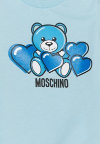MOSCHINO - ROMPER WITH GIFT BOX - Jumpsuit - baby sky blue - 2