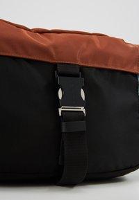 Marni - Bum bag - lake/rust/black - 7